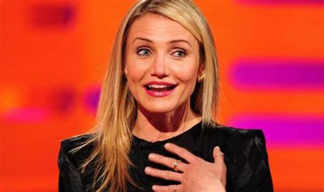 do older women loose there pubic hair cameron diaz defends her opinion on pubic hair during