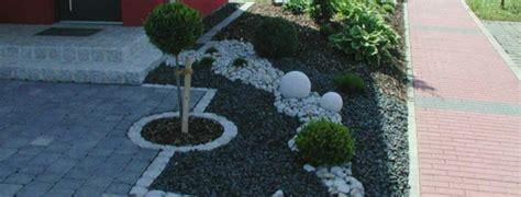Einfahrt Mit Kies Anlegen by Vorgarten Mit Kies Und Einfahrt Hofgestaltung