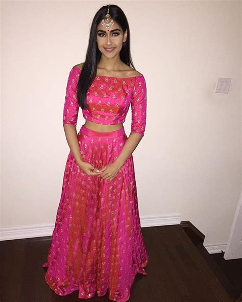 simple  elegant lengha design indian outfits indian