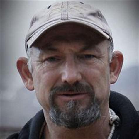 jeff hathaway deadliest catch nick mavar and matt bradley scan the ocean s surface
