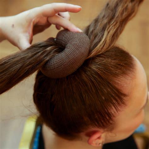duttkissen mit knopf haarkissen duttkissen volumenkissen mit kamm haarkult