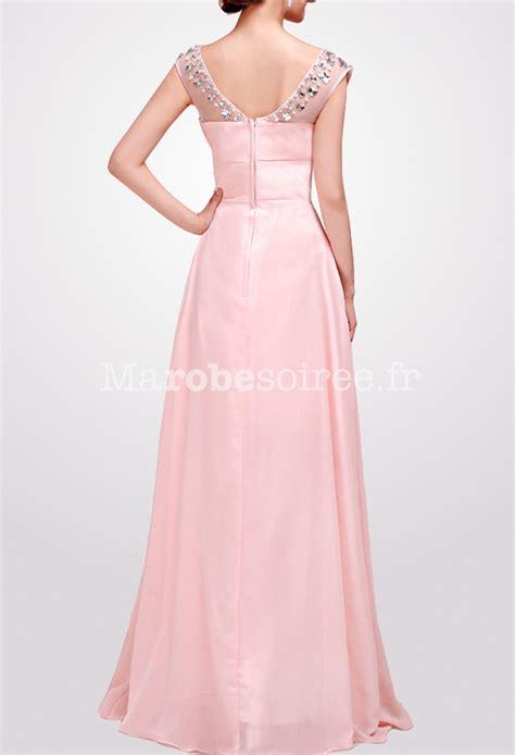 tenue de soirée longue strass aux épaules en mousseline rose pastel