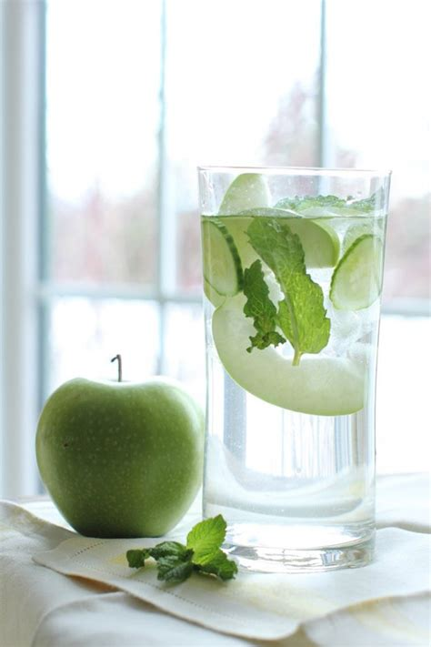 Green Apple Detox Water by Detox With These Easy To Make Refreshing Detox Waters