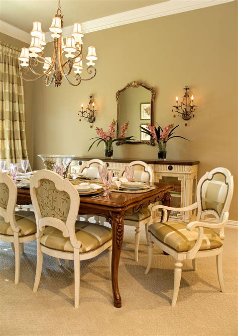 Decorating Dining Room Tables by Decorating Ideas For Dining Room Buffet Room Decorating