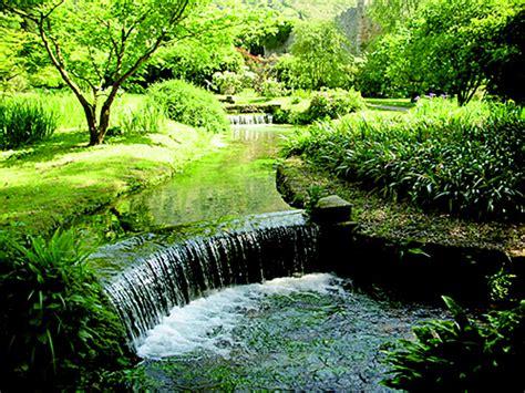 giardino di ninfa foto giardino di ninfa giardino di ninfa cisterna di