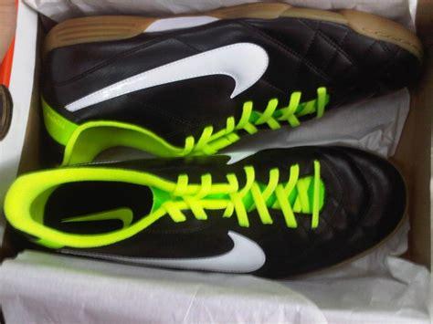 Sepatu Futsal Grade Ori Nike dijual sepatu futsal nike ori iasport