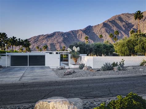 Modernist Architecture james haefner palm springs glass house by william cody