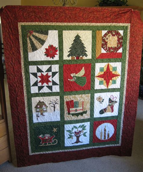 images of christmas quilts quilt addiction christmas quilts directory