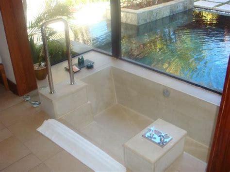 baignoire dans le sol baignoires encastr 233 es dans le sol pictures to pin on