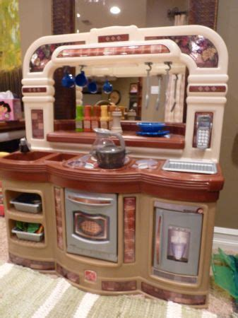 Step 2 Gourmet Kitchen by Step2 Lifestyle Gourmet Cafe Kitchen Play Kitchen House Food On Popscreen