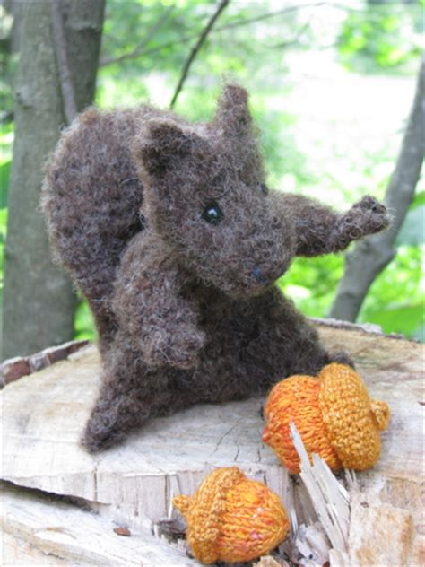 knit and crochet for fall acorns and squirrels free random charm 183 animals