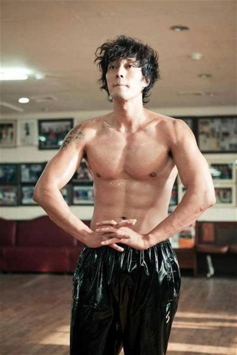 so ji sub then and now chocolate abs