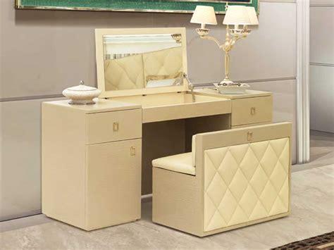 Mobile Per Truccarsi by Il Tavolo Da Toilette Dressing Table Return La Casa In