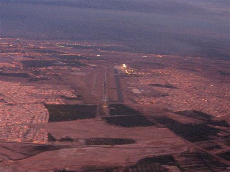 Rak Menara menara airport