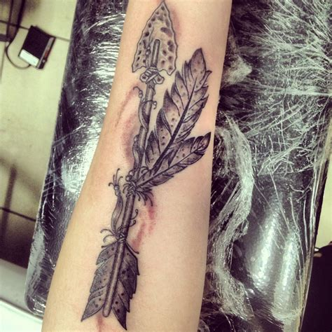tattoo on forearm pain arrow tattoos search pondering