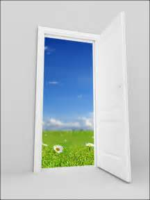 shirat devorah on pesach the door is opened