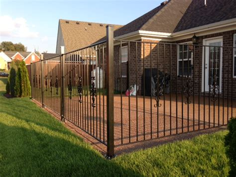 wrought iron fence or aluminum fence for restaurants and