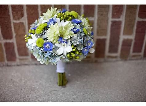 flowers to go what color of flower for blue dresses weddingbee