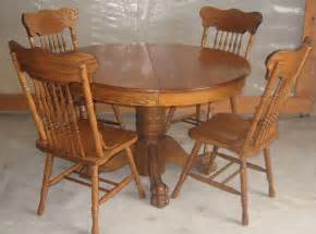 Oak Pedestal Dining Table And Chairs Antique 47 Inch Oak Pedestal Claw Foot Dining Room Table With Chairs Dining Room Table
