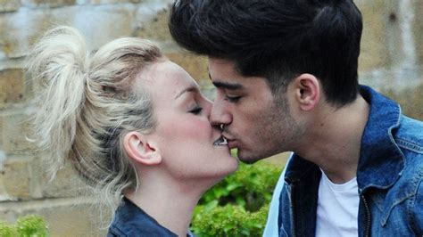 zayn malik calls off engagement to perrie edwards shes really in wrong direction zayn malik dumps perrie edwards calls