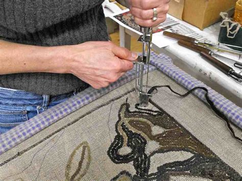 rug crafters punch hooking a rug primitivespirit