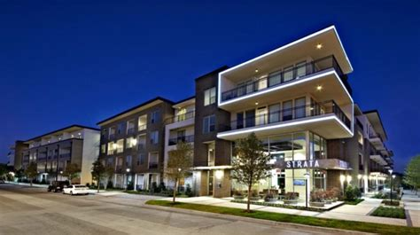 Uptown Dallas Apartment With Yard Strata Dallas Tx Locators Dallas Apartment Locators