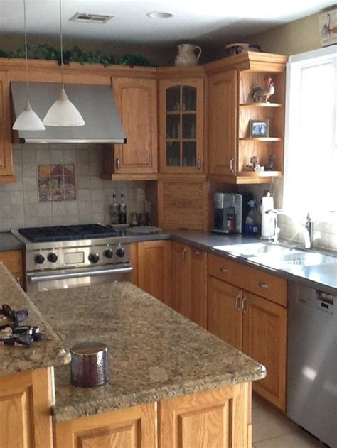 mixing kitchen cabinets help mixing kitchen cabinet style color