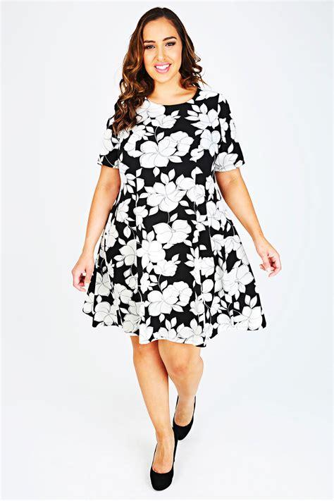 size 18 swing dress monochrome floral print swing dress plus size plus size 14