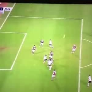 Blind Vine Watch Thereddevilinho S Vine Quot Daley Blind Goal 1 1 Mufc