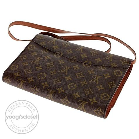 louis vuitton vintage monogram canvas pochette bordeaux