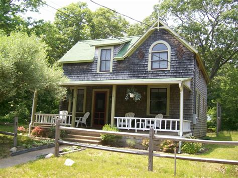 Small Country Home For Rent Oak Bluffs Cottage A Walk To The Homeaway Oak