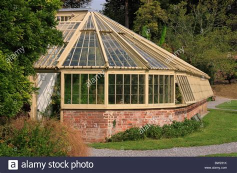 gewekshaus selber bauen wood and brick greenhouse in gardens at greenway house