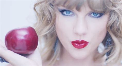 taylor swift and apple red lips and apple taylor swift wallpaper 7984 2