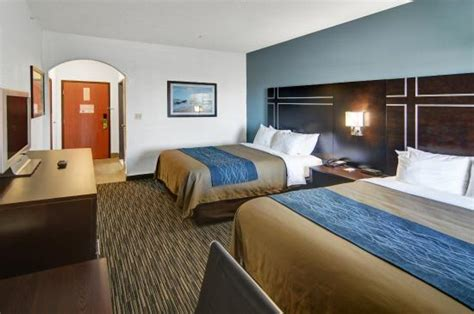 comfort inn comfort inn comfort inn suites beachfront 139 1 7 7 updated