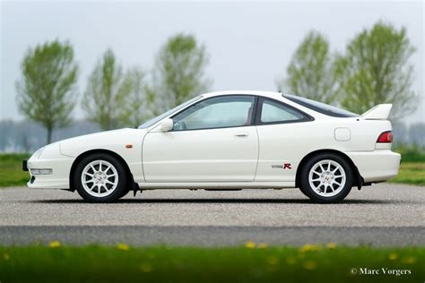 service manual how to fix 1995 acura integra engine rpm going up and down service manual how