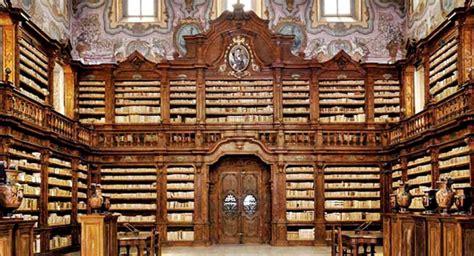 libreria napoli il ventre di napoli la rinascita della biblioteca dei