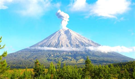 flm gunung merapi zumbara i gunung merapi yogyakarta volcanic mount merapi indonesia