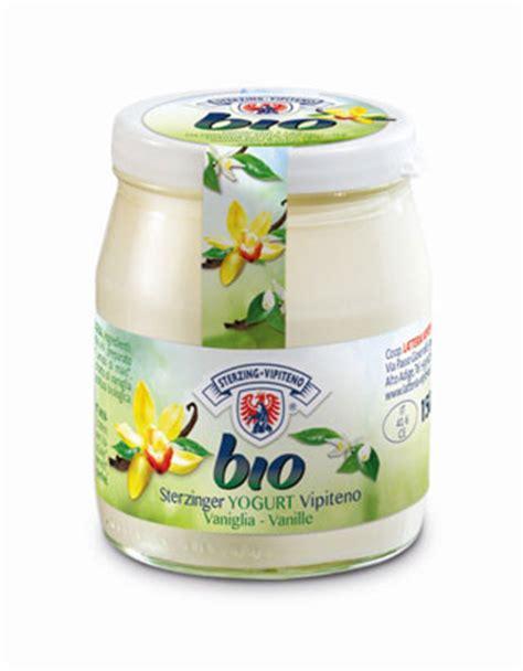 bicchieri richiudibili latteria vipiteno presenta gli yogurt bio in vasetti di