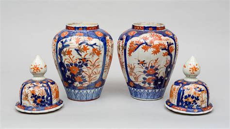 Vases With Lids For Sale Pair Of Imari Vases With Lids Image 5