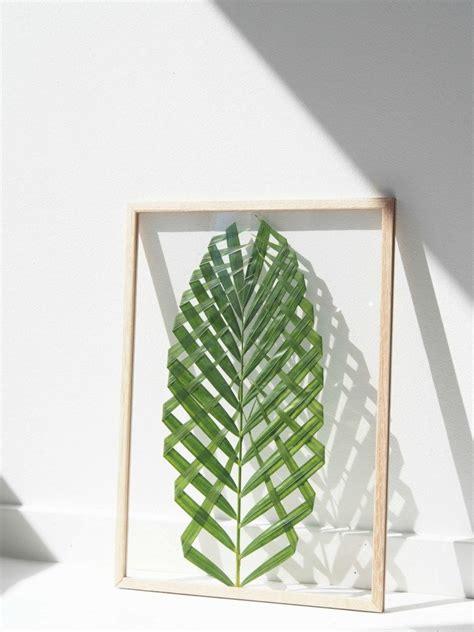 diy leaf decorations pictures photos and images for como fazer um quadro com folha de palmeira papodehomem