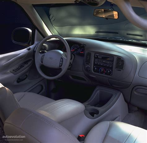 2002 Ford Expedition Interior by Ford Expedition 1996 1997 1998 1999 2000 2001 2002 Autoevolution