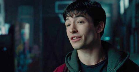 film flash adalah untuk kali kedua sutradara film the flash memilih mundur