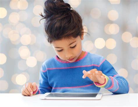 Tablet Untuk Anak membesarkan anak di bawah asuhan gadget apa daknya hello sehat