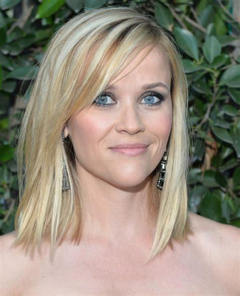 reese witherspoon angled bob more pics of reese witherspoon mid length bob 17 of 17
