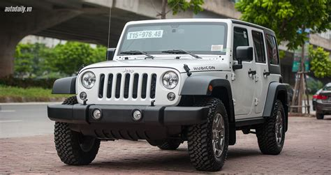 jeep rubicon 2017 maroon chi tiết jeep wrangler unlimited rubicon 2017 gi 225 hơn 4 tỷ