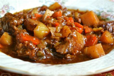 how to make a beef stew old fashioned beef stew by foodie