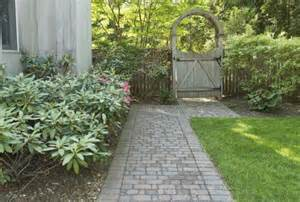 landscaping ideas for narrow side of house landscaping ideas for side yards