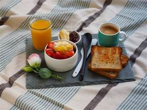 in bed how to make breakfast in bed smaggle