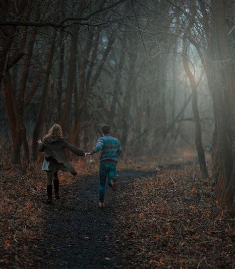 0008288607 the girl in the woods por qu 233 las mejores personas son quienes m 225 s han sufrido