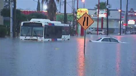 Houston Sweepstakes 2017 - rain pounds houston as flooded roadways strand motorists